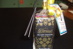 divine-chocolate-gift-for-volunteers